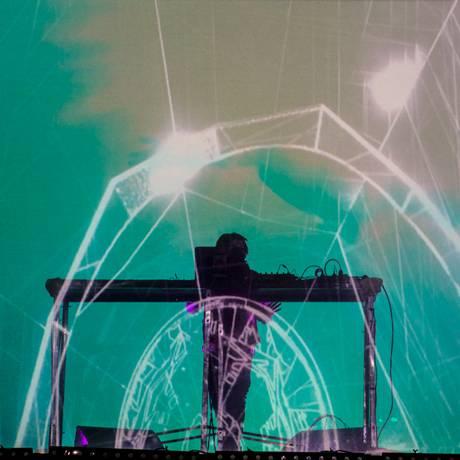 O DJ Flying Lotus abriu show do Radiohead em Buenos Aires, no último sábado Foto: Santiago Gallo Bluguermann