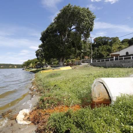 Lagoa de Jacaroá, em Maricá, no estado do Rio: a cidade é uma das mais dependentes de royalties, mas sofre com baixo índice de saneamento Foto: Fábio Guimarães