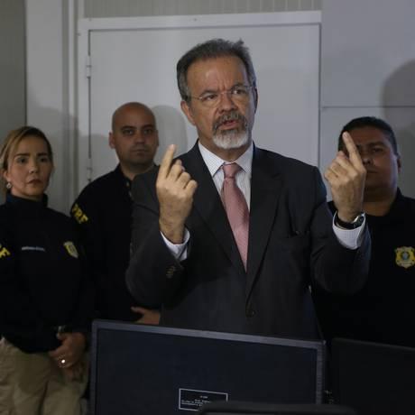 O ministro da Segurança, Raul Jungmann, diz que as investigações sobre a morte de Marielle avançam Foto: Pedro Teixeira / Agência O Globo