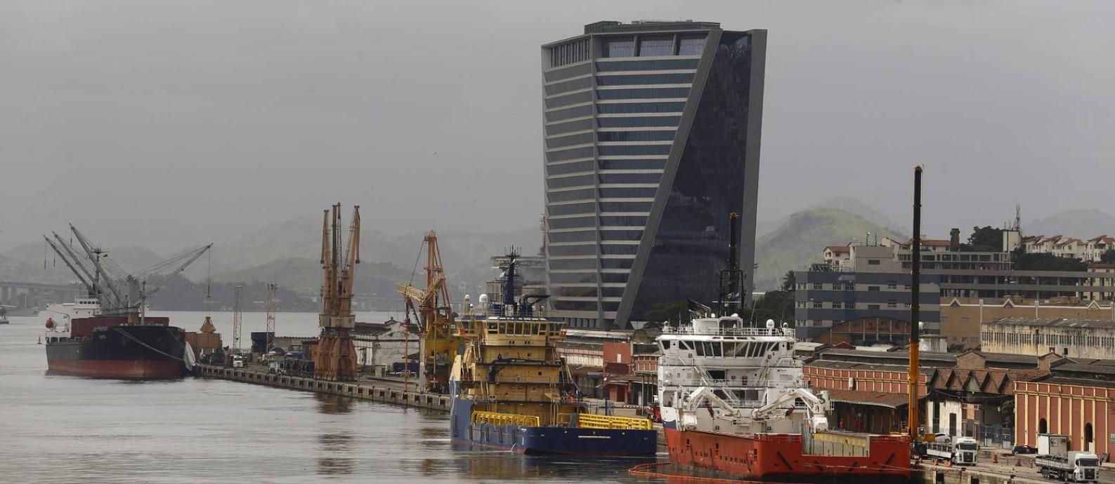 Empresas ocupam edifícios corporativos no Porto: empresa de startups e escritório de advocacia se instalam no Aqwa Foto: / Pablo Jacob