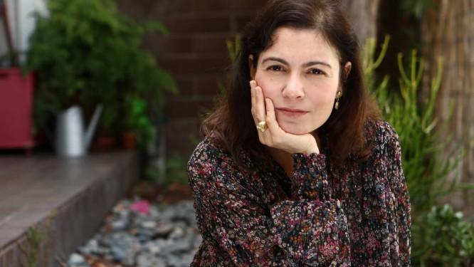 A escritora Martha Batalha, que mora nos EUA Foto: Divulgação / Divulgação