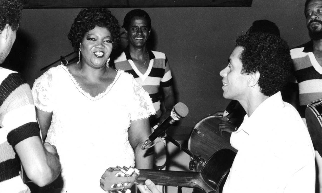"""Com Paulinho da Viola no programa """"Água Viva"""" da TVE em 1981 Foto: Luiz Silva / Divulgação"""