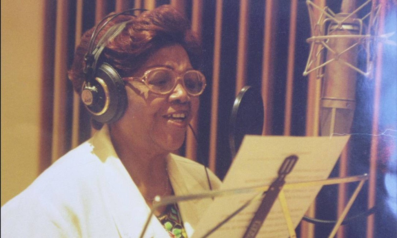 'Nasci para sonhar e cantar', sétimo de D. Ivone Lara, foi gravado em 2001 Foto: André Corrêa / Divulgação
