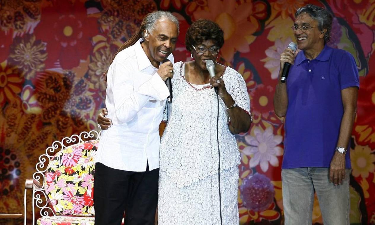 Cateano Veloso e Gilberto Gil comparecem à gravação do DVD de Dona Ivone Lara, em 2009 Foto: Mônica Imbuzeiro / Agência O Globo