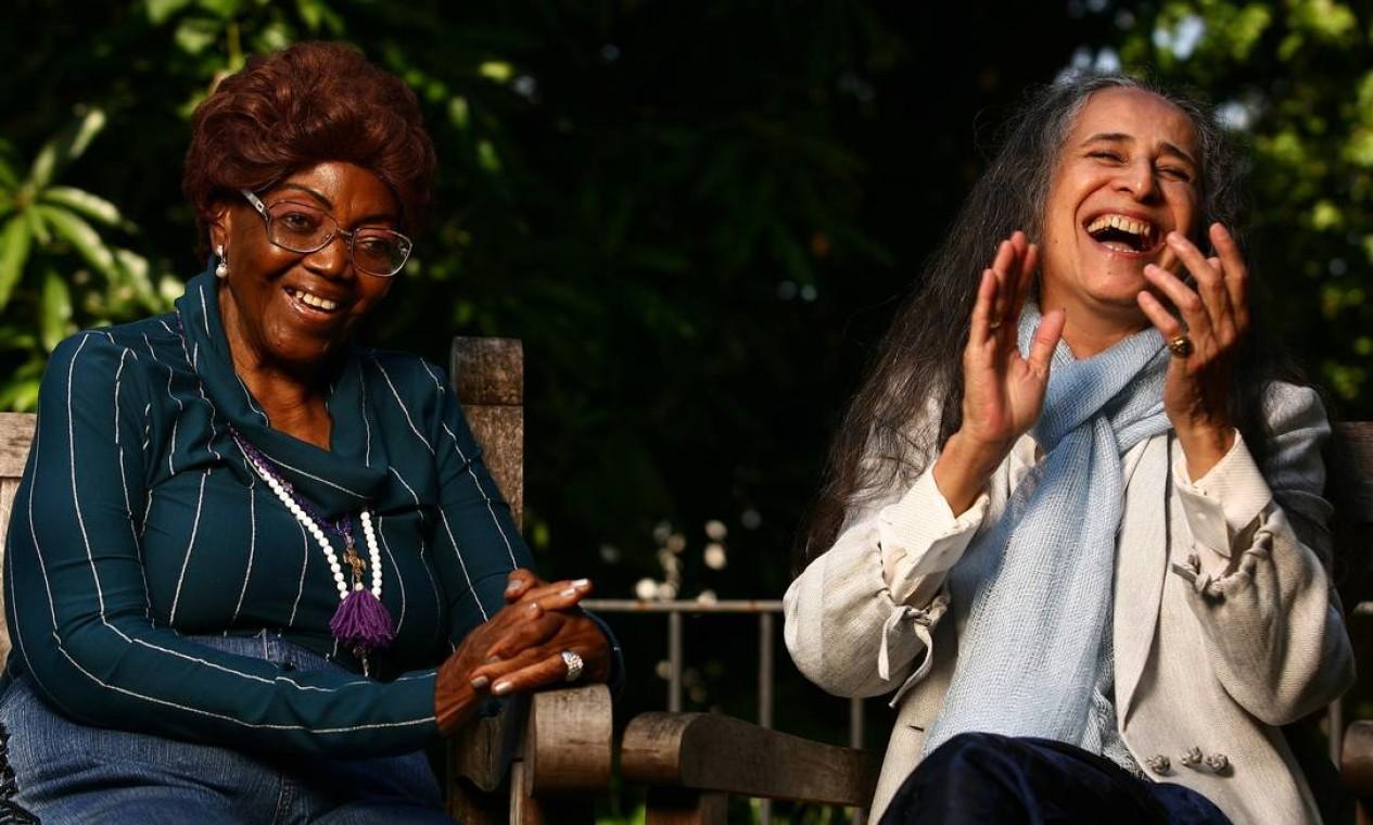 Em 2010, Maria Bethânia e D. Ivone Lara relembraram o primeiro encontro e compartilharam histórias do samba Foto: Ana Branco / Agencia O Globo
