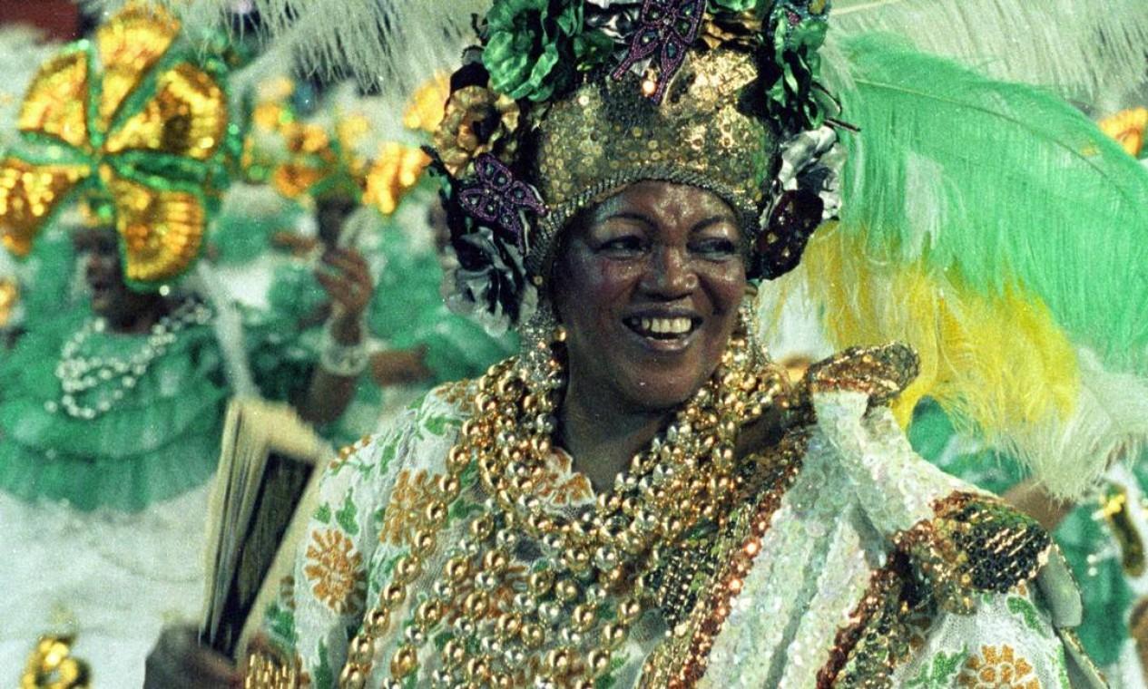 """Na ala das baianas no desfile da Império Serrano, com o enredo """"Histórias da Nossa História"""", em 1990 Foto: Jorge William / Agência O Globo"""