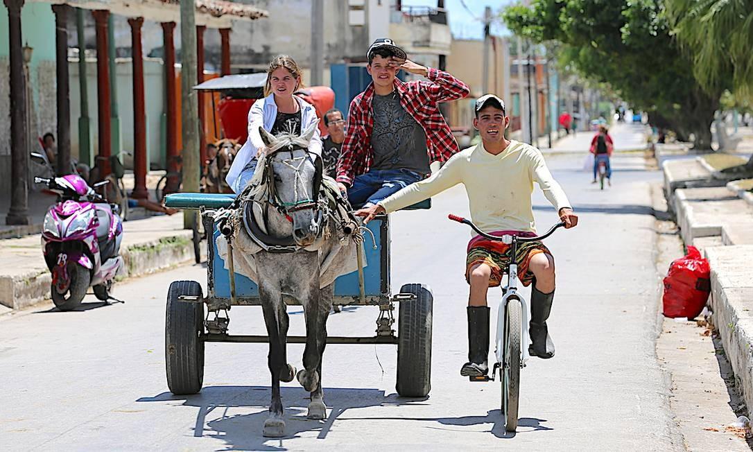 Habitantes de Arroyos de Mantua falam sobre saída de Raúl Castro Foto: Benjamín Morales Meléndez / El Nuevo Día