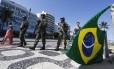 Militares na orla do leblon. Imagem de 08/04/2018