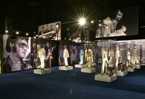 Elvis. Figurinos em exposição em Graceland, a mansão do cantor Foto: Henrique Gomes Batista