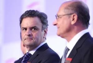 O senador Aécio Neves e o pré-candidato do PSDB à presidência, Geraldo Alckmin, Foto: Marcos Alves / Agência O Globo