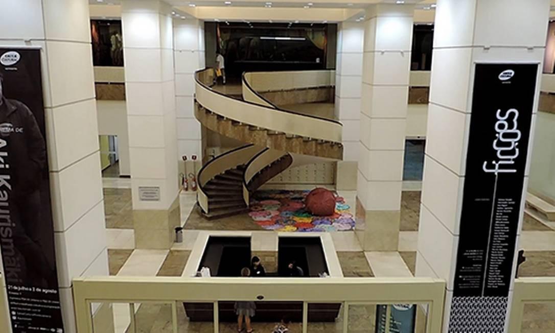 Caixa Cultural: espaço conta com quatro galerias, salas de cinema e teatro