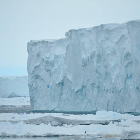 Geleira Mertz, na Antártica: nível do mar subiu até cinco metros por século na última Idade do Gelo Foto: Alessandro Silvano