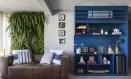 Projeto assinado pelo escritório Two Design: parede verde se destaca no ambiente Foto: Evelyn Muller / Evelyn Muller