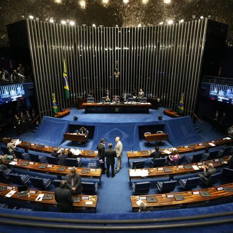 Sessão do Senado que analisou projeto que define a competência do Cade e do BC quanto à defesa da concorrência no sistema financeiro Foto: Ailton de Freitas / Agência O Globo