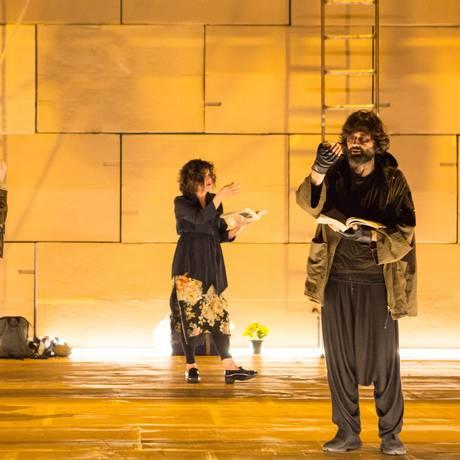 Cena da peça 'Dostoiévski-Trip' Foto: Divulgação