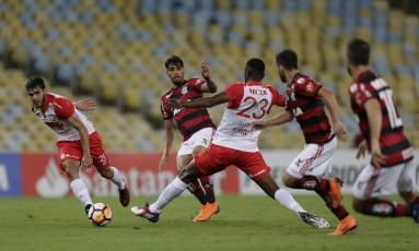 Flamengo e Santa Fe se enfrentaram no Maracanã Foto: Alexandre Cassiano / Agência O Globo