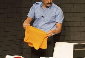 Alexandre Lino protagoniza a peça dirigida por Paulo Fontenelle Foto: Janderson Pires / Divulgação/Janderson Pires