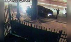 Vídeo mostra roubo de carro na Rua Jardim Botânico Foto: Reprodução