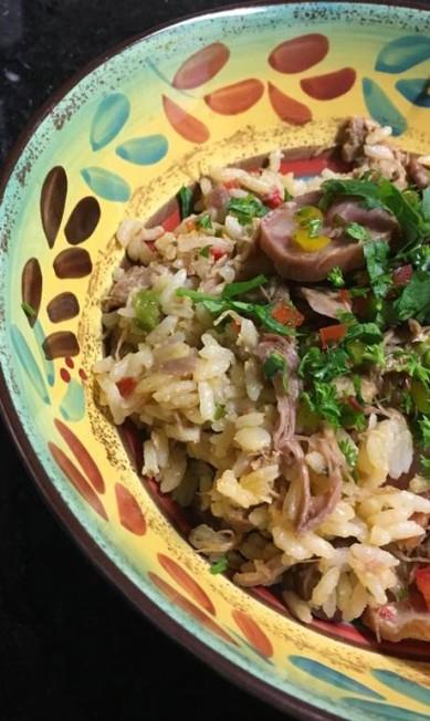 Beira Mar Confeitaria. O arroz de pato à portuguesa (R$ 129,80) serve quatro pessoas e é feito sob encomenda. Rua Coronel Moreira Cesar 153, Icaraí, Niterói. (3602-1070) Divulgação