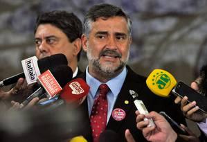 O líder do PT na Câmara, Paulo Pimenta (RS), durante entrevista Foto: Luis Macedo/Câmara dos Deputados/06-03-2018