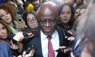 O ex-ministro do STF Joaquim Barbosa participa de reunião do PSB Foto: Ailton de Freitas / Agência O Globo