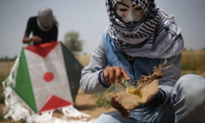 Protestos na Faixa de Gaza deixam 4 palestinos mortos por Israel