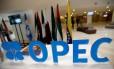Preparação da reunião da Opep, que reúne países exportadores de petróleo Foto: Ramzi Boudina /Reuters