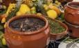 Bufê. No DonJuan Contemporâneo, o prato é servido aos sábados no bufê, com carnes e acompanhamentos, entradas, batida de frutas e mesa de doces: custa R$ 71,50 por pessoa Foto: Divulgação