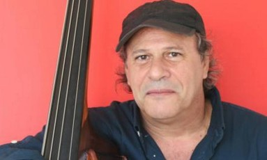 O baixista Paulo Russo: mais de 50 composições e participações em cerca de 250 discos Foto: Divulgação / Divulgação