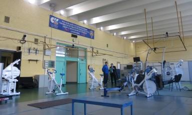 Estudantes manuseiam programa de análise do desempenho aeróbico de atletas Foto: Bernardo Mello