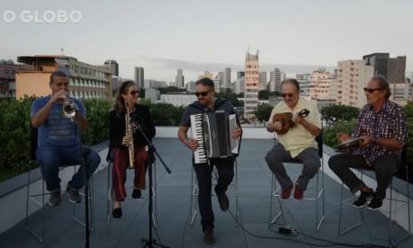 Toca no Telhado: No Dia do Choro, Henrique Cazes e seu grupo homenageiam Jacob do Bandolim Foto: Reprodução