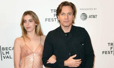 Clara McGregor com o pai, Ewan, no Festival de Tribeca 2019 Foto: ANGELA WEISS / AFP