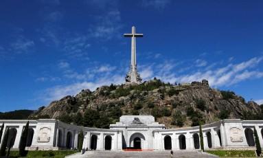 A basílica do Vale dos Caídos abriga os corpos do ditador Francisco Franco e de milhares de soldados mortos na Guerra Civil Foto: Andrea Comas / REUTERS
