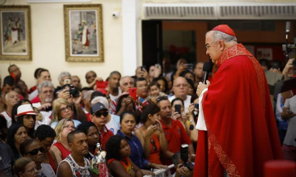 Dom Orani celebra missa em homenagem a São Jorge na Igreja Matriz, em Quintino Foto: Pablo Jacob / Agência O Globo