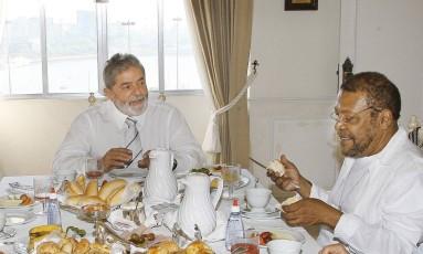 Lula e Martinho da Vila tomam café no Hotel Glória, em 2008 Foto: Ricardo Stuckert / Presidência da República