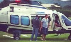 Sérgio Cabral e família chegam a Mangaratiba em um dos helicópteros do governo do estado Foto: Reprodução