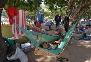Refugiados venezuelanos acampados em praça no centro de Boa Vista, em Roraima. Foto: Jader Souza / Agência O Globo
