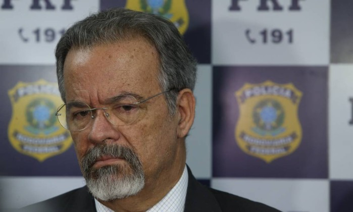 Governo quer libertar até 50 mil presos até o fim do ano