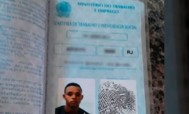 Jovem de 20 anos estava no segundo mês de seu primeiro emprego; carteira de trabalho era orgulho para ele Foto: Divulgação