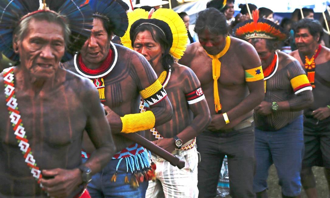 Indígenas de todo o Brasil começaram a chegar desde domingo Foto: Michel Filho / Agência O Globo