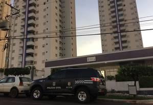 Agentes da GCCO cumprindo mandados em Cuiabá Foto: Reprodução / TV Centro América
