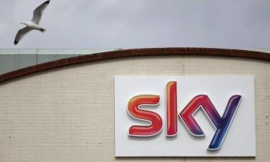 Logomarca da Sky na sede da empresa Isleworth, em Londres. Daniel Leal-Olivas/AFP