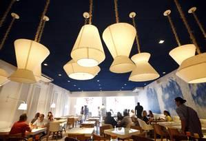 Da moda. Oia oferece comida grega em ambiente estilizad Foto: Agência O Globo