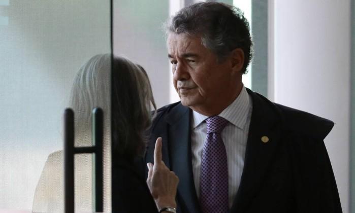 Marco Aurélio tenta medida para beneficiar Lula e Cármen Lúcia toma decisão