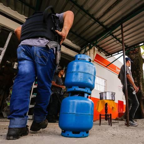 Delegados que investigam quadrilhas teriam sofrido ameaças Foto: Marcelo Regua / Agência O Globo