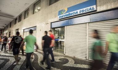 Agência do INSS no Centro do Rio. Foto Ana Branco / Agência O Globo/ 15/05/2017