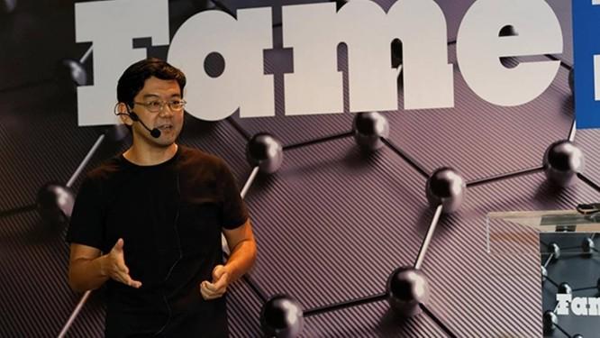 FAMELAB BRASIL: O matemático Jackson Itikawa conseguiu e se tornou o primeiro vencedor da edição brasileira de uma das maiores competições de comunicação científica no mundo Foto: Divulgação