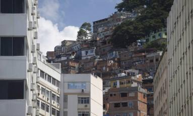 O Morro Pavão-Pavãozinho Foto: Márcia Foletto / Agência O Globo / 06-04-2018