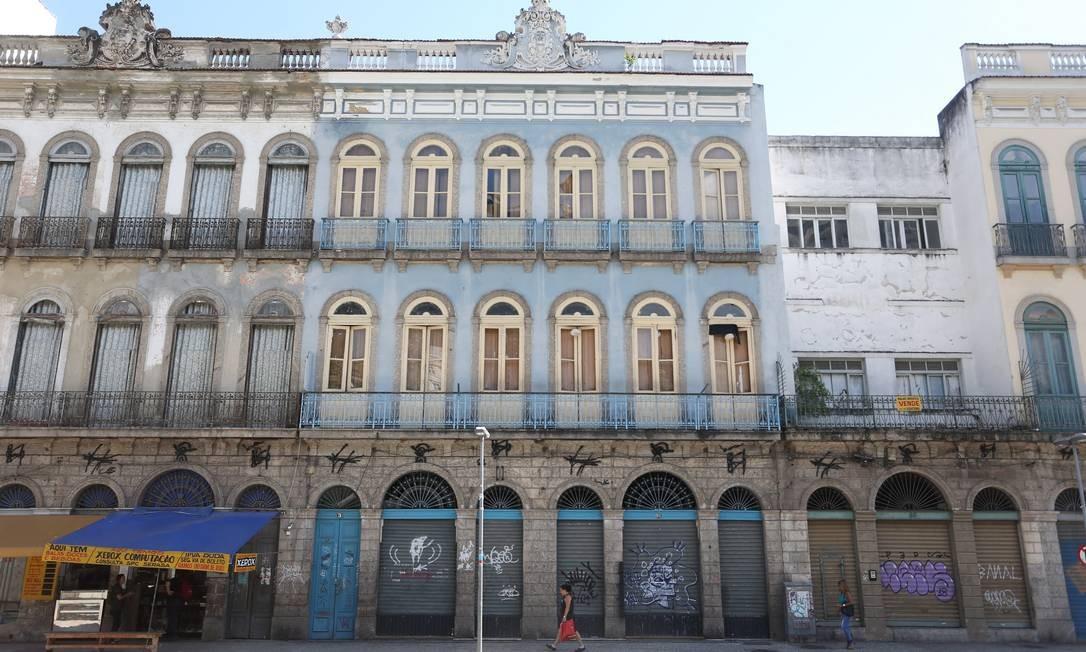 A fachada da gafieira do prédio que abrigou a gafieira estudantina, na Praça Tiradentes Foto: Guilherme Pinto / Agência O Globo