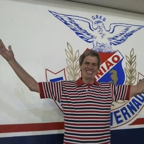 Após dez anos como vice-presidente, Djalma Falcão assumiu a escola no último dia 8 Foto: Divulgação